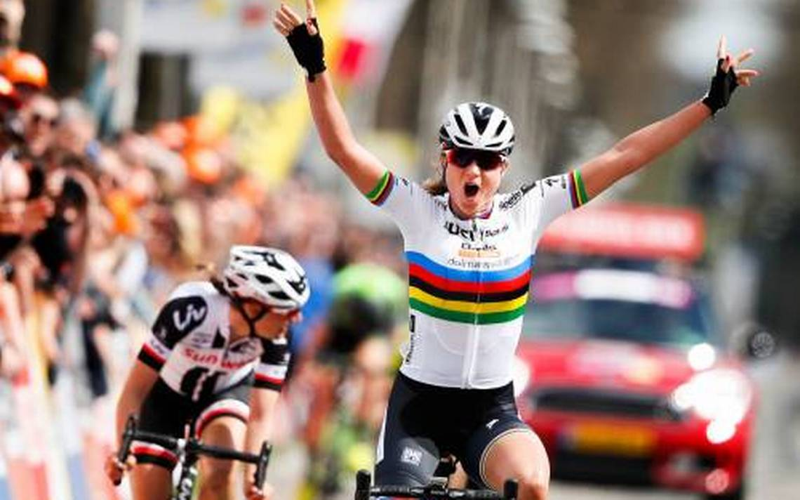 Chantal Blaak in trionfo all'Amstel Gold Race 2018 davanti a Lucinda Brand