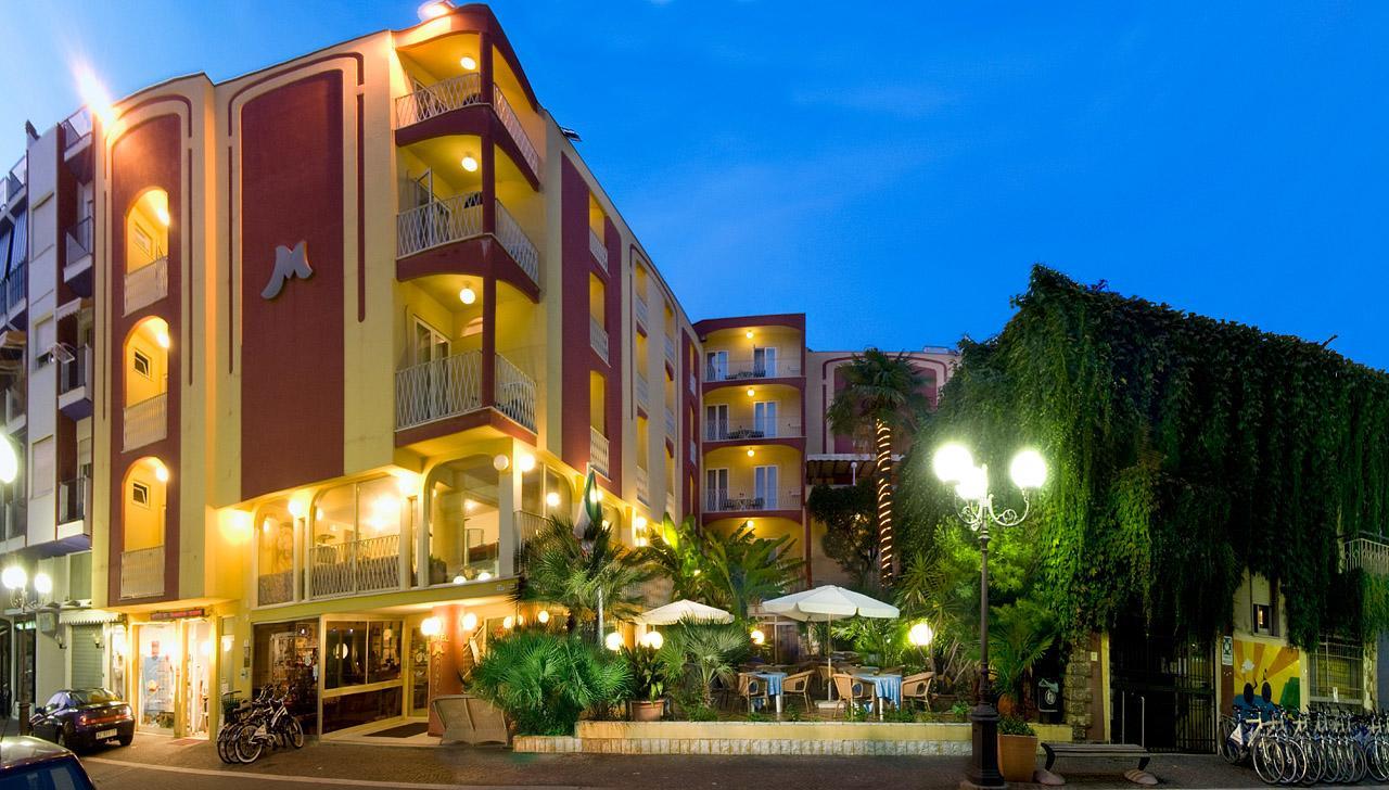 Resort Hotel Marinella Gabicce Mare (booking.com website)