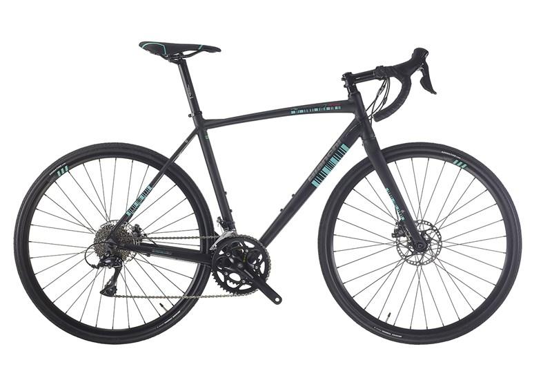 Gravel bike Via Nirone 7 con cambio Shimano Sora (sito web bianchi.com)