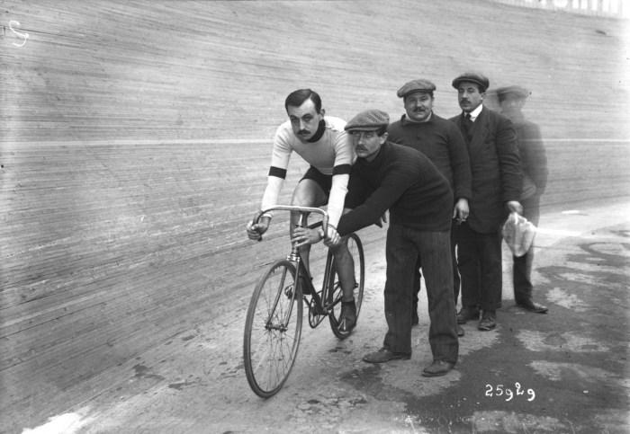 Foto del ciclista francese Lucien Petit-Breton (wikimedia)