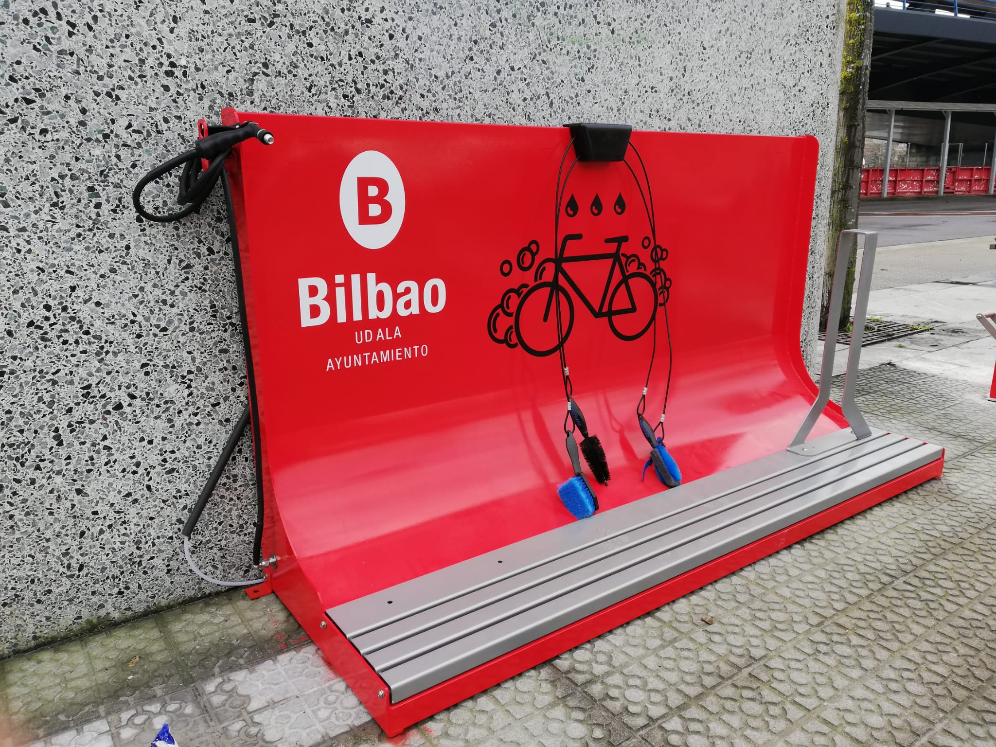 Bicicleaner and Urbanfix in Bilbao to make the city bike friendly