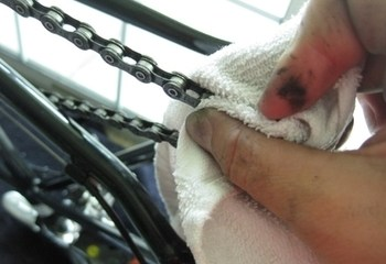 How to clean a bike chain with household products? 1