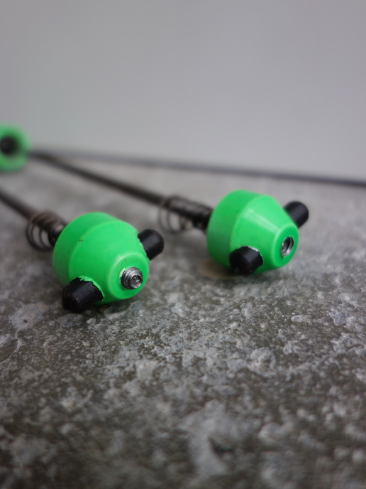 Kingsbery vintage mountain bike wheel quick releases in neon green
