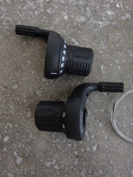 Gripshift 7 x 3 speed mountain bike shifters with original grips