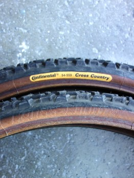 """NOS Continental 26"""" x 2.0"""" classic MTB brown wall tyres"""
