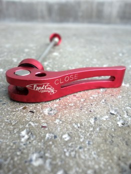 Fred Salmon quick release skewers - Red