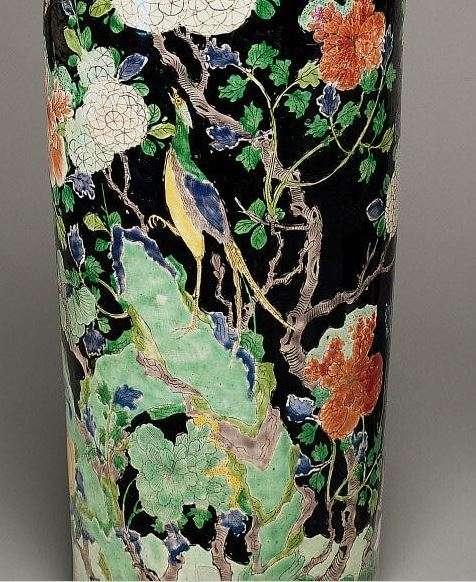 Kangxi Famille Noire-Verte Enamel Rouleau vase
