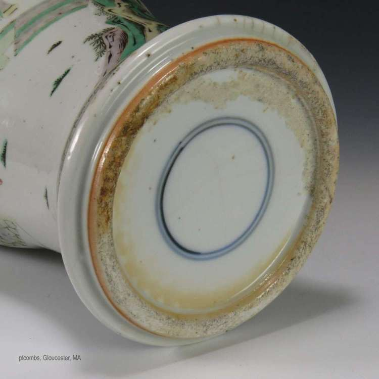 foot-rim 19th C. Chinese Famille Verte vase