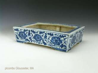 19th C. Chinese Blue and White Porcelain Planter