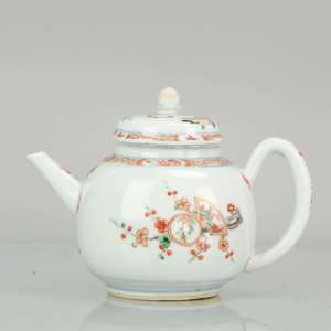 1700 Chinese Porcelain Kangxi Famille Verte Teapot