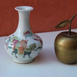 Chinese Antique Porcelain Vase Tongzhi, Qing Dynasty