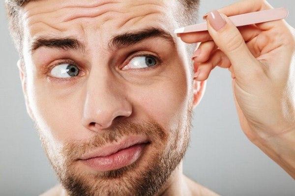 93531233_s-1-600x399 男性も必見!眉毛を再び生やす5つの方法!太い眉毛を取り戻すには?