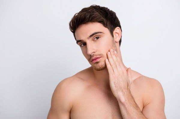 97855823_s-1-600x399 男性も必見!眉毛を再び生やす5つの方法!太い眉毛を取り戻すには?