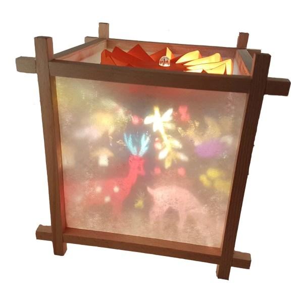 Lanterne Magique Artisanale en bois avec un décor de la forêt