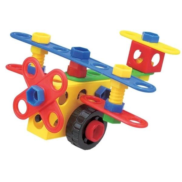 Dimensionnés spécialement pour les petites mains des enfants, les différents éléments sont de bonne taille et leur permettent d'assembler facilement les pièces avec les roues et les boulons.
