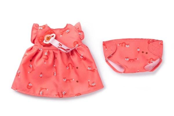 La poupée en tissu Rose de 36 cm a une jolie robe orange et une couche que l'on peut changer.
