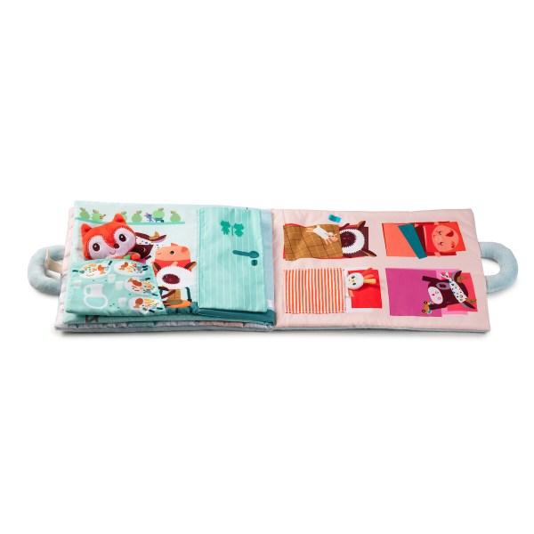 Le livre d'activités Bonjour petit Renard sera un très bon cadeau à offrir aux bébés et aux jeunes enfants.