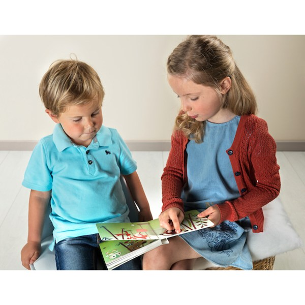 Les belles couleurs de ce livre et l'histoire originale des deux personnages vont passionner les jeunes enfants. Le livre réversible Georges et Alice est un cadeau original et éducatif à offrir aux enfants dès 3 ans.