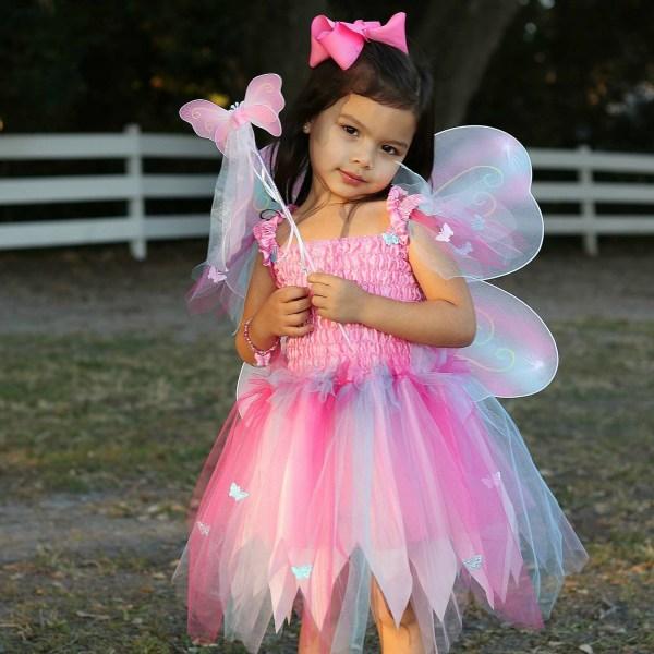 Robe papillon Rose portée par une enfant