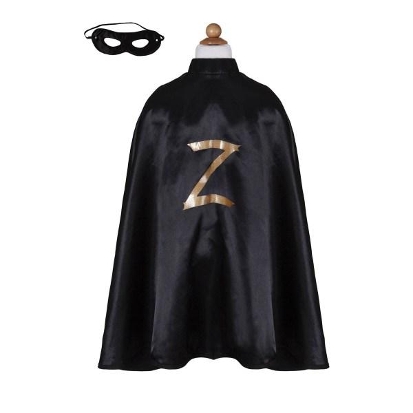 Cape de Zorro et masque sur un mannequin sans tête