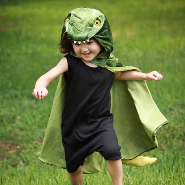 Cape de T-Rex portée par un enfant
