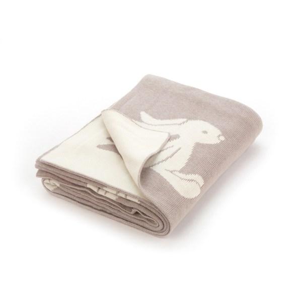 Parfaitement adaptée pour les bébés, cette couverture est 100% coton et est d'une douceur incomparable.