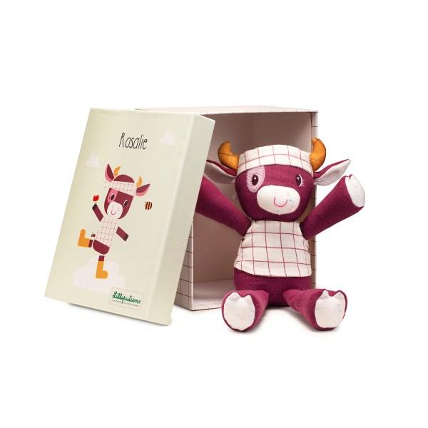 Le doudou est livré dans une magnifique boîte-cadeau illustrée avec l'image de la peluche.