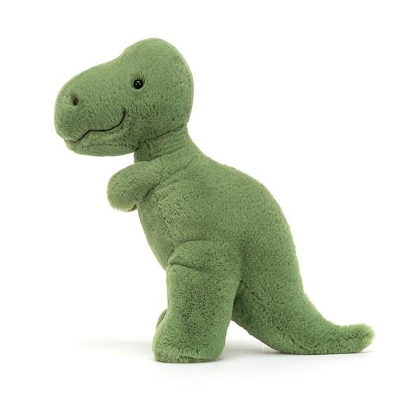 Ce gentil tyrannosaure va vite devenir le doudou dont on se sépare plus. Il pourra facilement prendre place dans un coin du lit ou du berceau et aussi se glisser dans la poussette pour partir en promenade. Les fans de dinosaures de tout âge pourront se laisser charmer ce T-rex tout à fait inoffensif ! Une très bonne idée pour un cadeau de naissance.