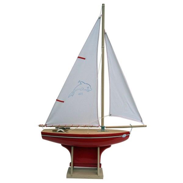 Voilier en bois à quille carrée avec une taille de 35cm et une coque rouge