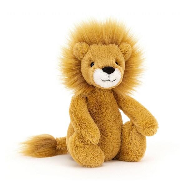 Cette peluche animal Bashful Lion est le compagnon idéal pour prendre soin de bébé dès la naissance. Sa douceur en fait un copain indispensable !