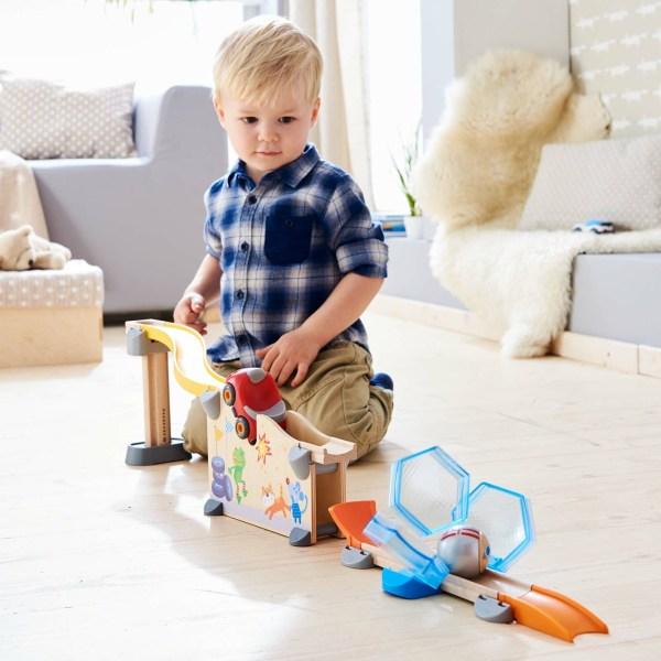 Toboggan circuit Kullerbu Crash-test avec un enfant qui joue