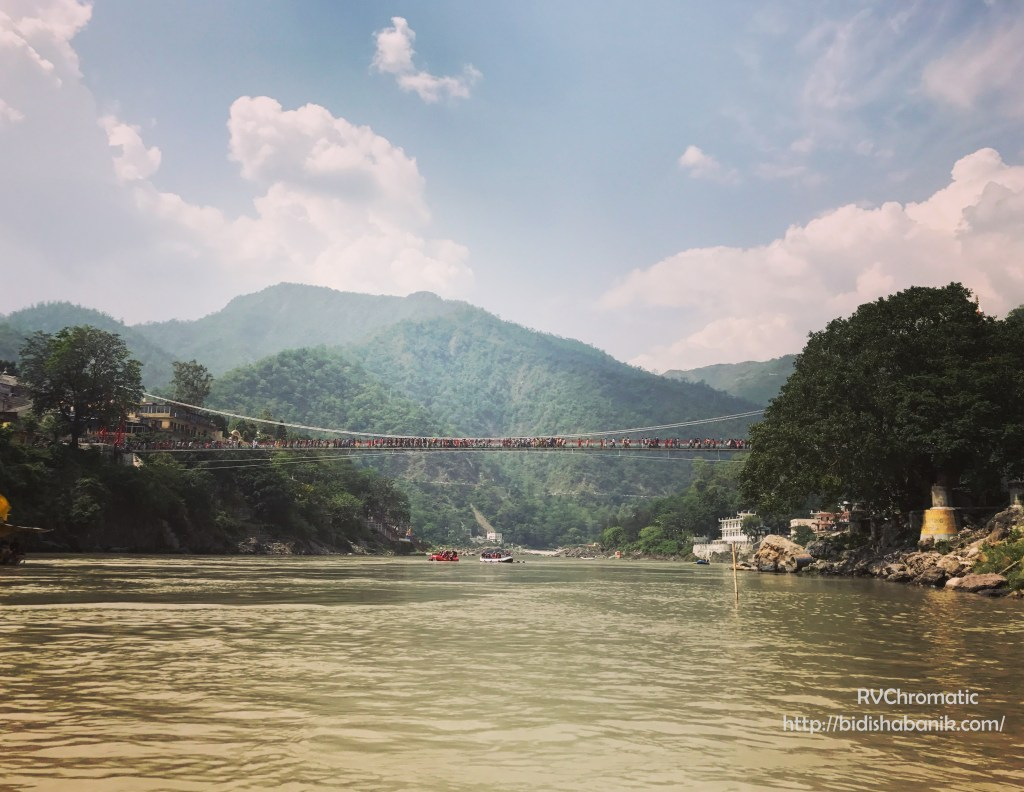 Lakshman Jhula on a clear summer day
