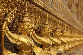 golden asian statues