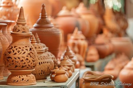 thai traditional earthenware