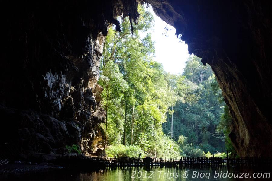 Les grottes de  Tham Lod