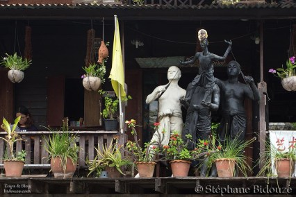 maison-artistes-bangkok-statue