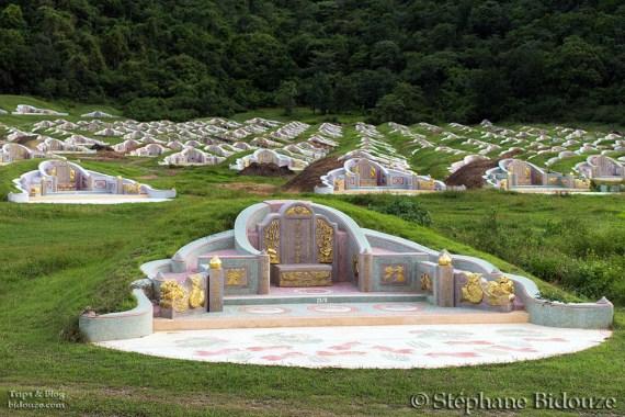 Un cimetière Chinois, sur la route du Wat Tham Khao Noi