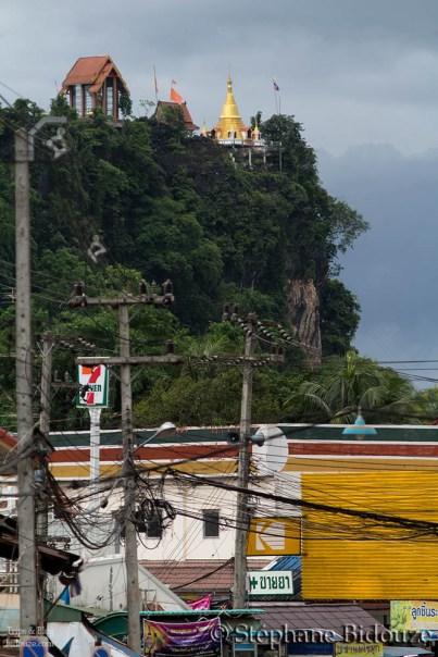 temple-seven-eleven-thailand