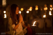 thai-woman-praying