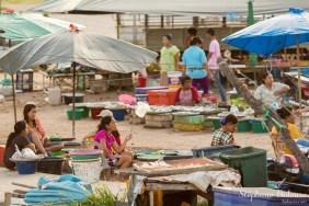 marché-nuit-port-khanom-thailande