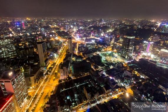Bitexco-tower-vue-ho chi minh-vietnam-nuit