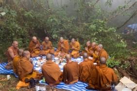 moines-bouddhistes-thailande