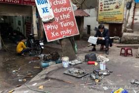 mobylette-garagiste-réparateur-vietnam