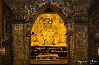 bouddha-Mahamuni-or-mandalay-pagode