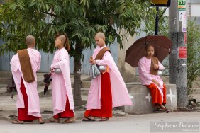 nonnes-bouddhistes-mandalay-jeunes