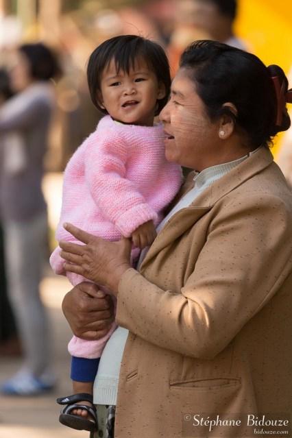 maman-birmane-enfant-fille-