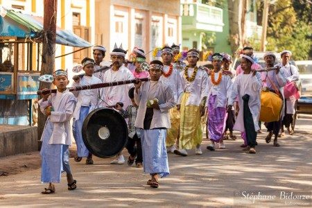 defilé-celebration-moine-nouveau-birmanie