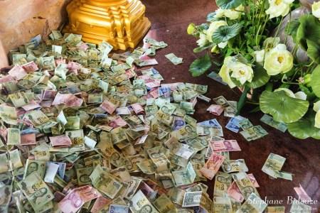 Offerings in the wat chalong