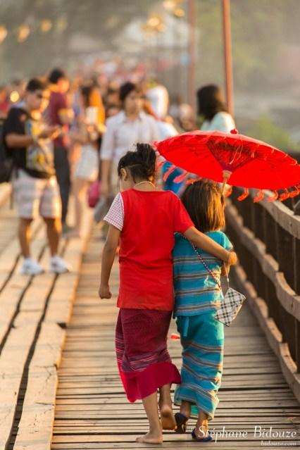 enfants-Sangkhlaburi-pont