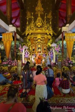 Luang-Phaw-Uttama-statue-cire-moine